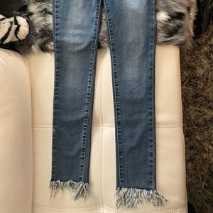 Woman's Extra Stretchy Jean With fringe